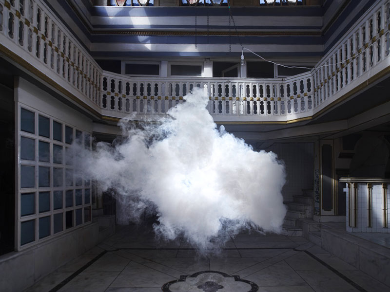 indoor-nimbus-cloud-art-installation-by-berndnaut-smilde-1