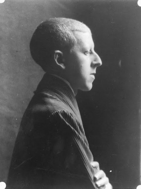 © Claude Cahun, Self-portrait.
