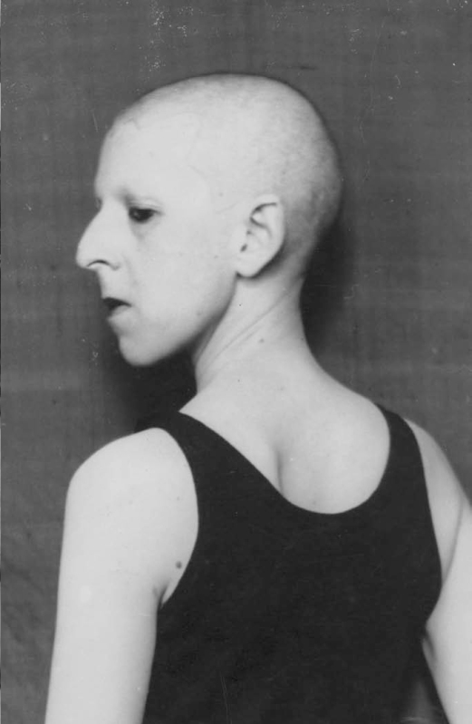 © Claude Cahun, Self-portrait, 1920.