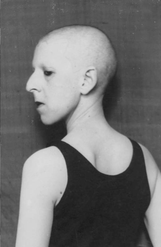 © Claude Cahun, Self-portrait, 1920.