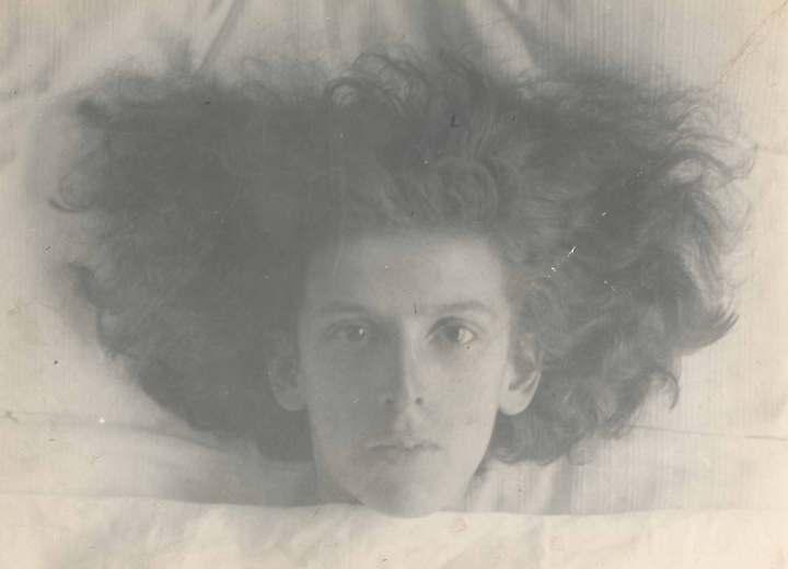 © Claude Cahun, Self-portrait, 1914.