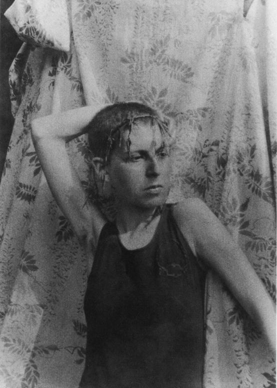 © Claude Cahun, Self-portrait, 1919.
