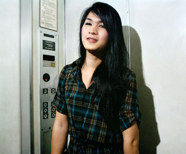 38_friend-elevator
